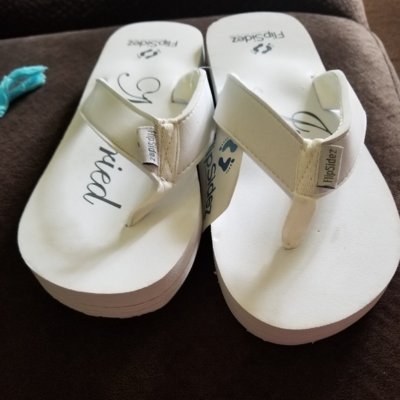 552966a002f063 Just married sandals